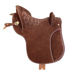 Classic country saddle with deep seat