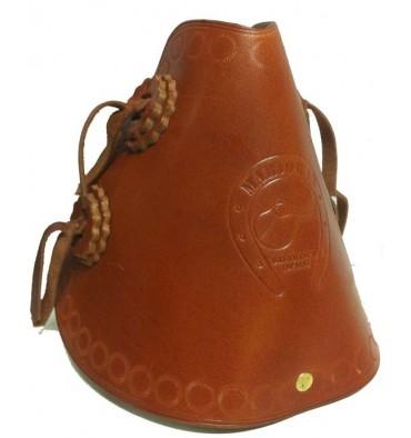 http://saddles4sale.com/619-thickbox_default/leather-stirrups-wide-passage.jpg